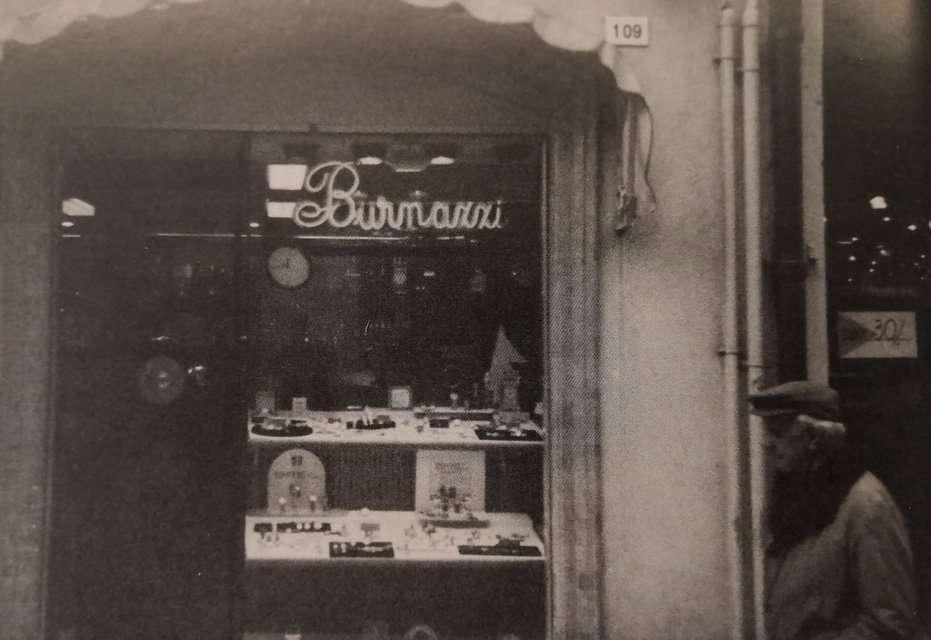 Vetrina Burnazzi Gioielleria a Rimini